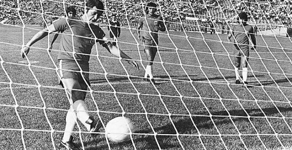 """Francisco Valdés sella con su """"gol"""" el paso de Chile al mundial de 1974"""